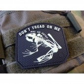 JTG DON´T TREAD ON ME FROG PATCH GLOW IN THE DARK 3D RUBBER